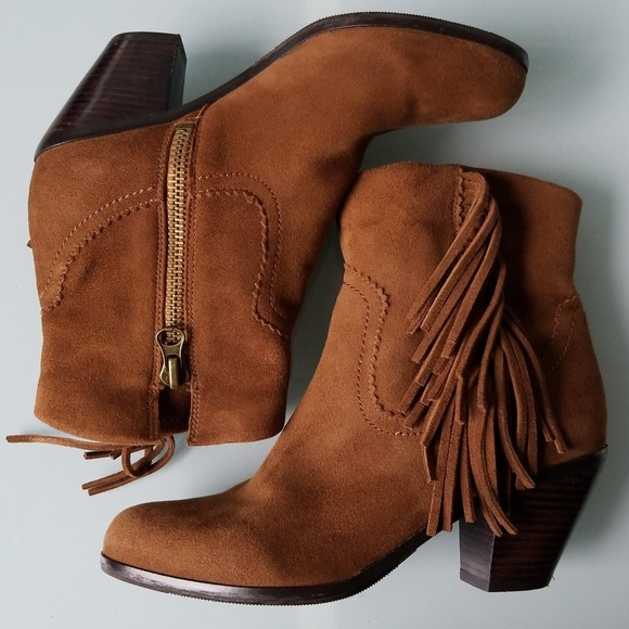 6ffd80be4a524e Sam Edelman Louie Fringed Suede Ankle Boots. M 5afeef515521be51d9907a43